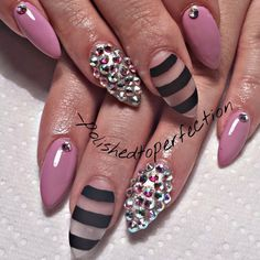 Nails Stiletto Pink Black Negative Space 26 Ideas For 2019 Sexy Nails, Hot Nails, Hair And Nails, Fabulous Nails, Gorgeous Nails, French Nails Glitter, Pointy Nails, Crazy Nails, Cute Nail Art
