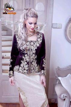 karakou algérois #algeriantraditionaldresses #Algérie #الجزائر #Algeria Traditional Fashion, Traditional Dresses, Lace Skirt, Sequin Skirt, Arabic Dress, Most Beautiful Dresses, Embroidered Clothes, Party Wear, Bridal Dresses