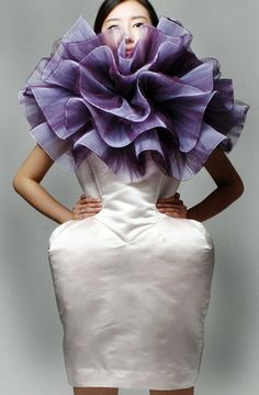 Wearable Art exploring the beauty of fullness - sculptural white dress with dramatic purple hibiscus flower collar; soft structures & feminine silhouettes // Sook Kim Wearable Art exploring the Geometric Fashion, 3d Fashion, Fashion Fabric, Couture Fashion, World Of Fashion, Trendy Fashion, Fashion Show, Fashion Design, Dress Fashion