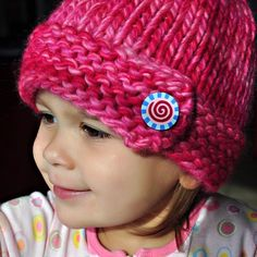 Chunky Hat ....free pattern (pattern is for adult. kid's size free pattern is here:http://www.ravelry.com/projects/kaleidoscope/super-bulky-button-hat-2)