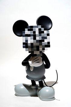 Street Fighter Toys, Sculpture Art, Sculptures, Vinyl Toys, Designer Toys, Mosaic Art, Resin Art, Creative Design, Pop Art