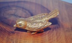 Check out this item in my Etsy shop https://www.etsy.com/ca/listing/482516392/florenza-bird-saccharin-dish-pill-box