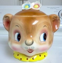 This wonderful jar was made in the PY/Miyao factory, but bears an Enesco sticker. Enesco bought many products from PY in the 1950s/early 1960s, but only wanted their name on the items. That is why the familiar PY mark is not on this jar.
