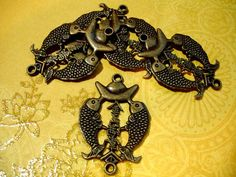 8 Large Asian Fish Antique Brass Charm Connectors. Starting at $3 on Tophatter.com!