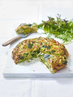 leek and pea frittata This frittata recipe is full to the brim with green good-for-you green veg and it's cheap to make too.This frittata recipe is full to the brim with green good-for-you green veg and it's cheap to make too. Leek Recipes, Frittata Recipes, Vegetable Recipes, Vegetarian Recipes, Cooking Recipes, Healthy Recipes, Vegetarian Frittata, Rhubarb Recipes, Cafe Food