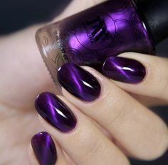 Masura: Under Night Veil ... a GORGEOUS purple magnetic nail polish Monica's phone kept ringing and it was someone she knew she did t want to talk to at the moment because we were trying to figure something out and they just kept calling so she turned the ringer down!
