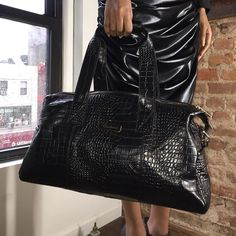 Here supporting @gardinieofficial these handbags are to die for.    #PhillySBFashionWeek #Fashion #Boutiques #Runway #Model #Modeling #Models #BoutiqueOwner #FashionPhotographer  #PhiladelphiaSmallBusinessFashionWeek #PSBFWSeasonThree #Designers #MadeNYFW #Photographer #NewYorkFashionWeek #Media #PSBFW #Press #NYFW #Stylist #AutismAwareness #FashionStylist #Philly #DarbyFoundation #HairStylist #FashionWeekPhilly by phillysbfashionweek