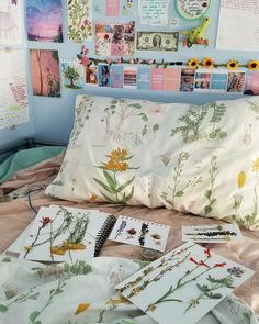 Read □《art-hoe Aesthetic》□ from the story 《◇aesthetic types◇》 by LearnerofNarnia (Learner_of_Narnia) with reads. Dream Rooms, Dream Bedroom, Girls Bedroom, Bedroom Decor, Bedroom Ideas, Bedroom Inspo, Art Hoe Aesthetic, Aesthetic Bedroom, My Room