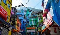 Favela Painting Praça Cantão by Haas&Hahn, Artwork Rio de Janeiro | Backpacker Travel Guide to Brazil by Hibiscus & Nomada
