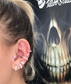 A imagem pode conter: uma ou mais pessoas e close-up Cute Piercings, Dermal Piercing, Body Piercings, Piercing Tattoo, Tongue Piercings, Multiple Ear Piercings, Jewelery, Jewelry Accessories, Bling