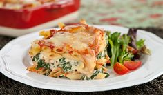 Spinach and Ricotta Lazy Lasagna. Spinach and Ricotta Lazy Lasagna. This quick version of lasagna is made with leftover pasta so you can make it any night of the week. Pasta Recipes, Dinner Recipes, Cooking Recipes, Lasagna Recipes, Dinner Ideas, Meal Ideas, Spinach And Ricotta Lasagna, I Love Food, Good Food