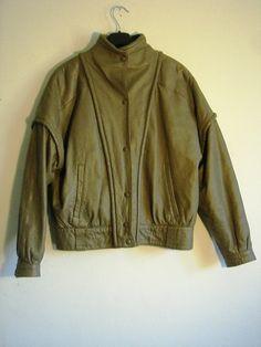 Lederjacke Bomber Jacket, Vintage Fashion, Leather Jacket, Leather Jackets, Jackets, Gowns, Studded Leather Jacket, Fashion Vintage, Bomber Jackets