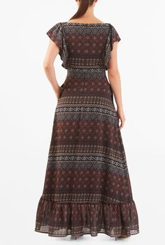 A perfect Maxi dress for any occasion. Shop for lovely Maxi Dresses online, including Chambray Maxi Dress, Colorblock, Lace Hem, Cotton and Floral Maxi Dress. Cute Maxi Dress, Chic Dress, Indian Designer Outfits, Designer Dresses, Night Dress For Women, Stylish Dress Designs, Saree Dress, Custom Dresses, Fashion Dresses