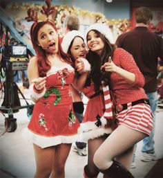 """Ariana Grande, Victoria Justice and Liz Gillies on the set of """"Victorius""""."""