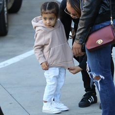 « Yeezy season 3 is coming North West Kardashian, Baby Girl Fashion, Kids Fashion, Toddler Outfits, Kids Outfits, Yeezy Season 3, Kool Kids, Girl Silhouette, Stylish Kids