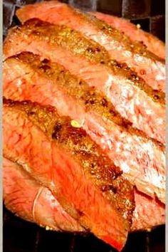 元ハンバーグ職人直伝!牛ステーキの焼き方 by しるびー1978 【クックパッド】 簡単おいしいみんなのレシピが320万品 Junk Food, Japanese Food, Steak, Bacon, Pork, Cooking Recipes, Beef, Breakfast, Eat Meals