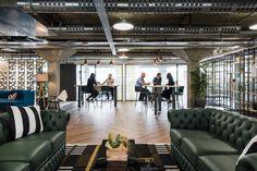 Fintech Office – London. Breakout space. Exposed celing. Financial company