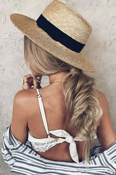 Looove this undone fishtail braid & summer vibes @hairby_chrissy