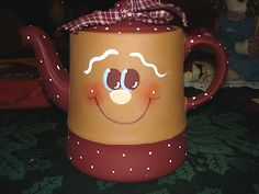 SWEET HP GINGERBREAD FACE ON VINTAGE STANGL POTTERY TEA POT