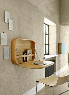 Dans le couloir, on invente un espace bureau bien ordonné - Rangements déco pour l'entrée et le couloir - CôtéMaison.fr