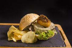 Rosti | Burger | Hamburguesa | Hamburguesería | Lugar: c/ Ramón trias fargas 2, 08005 Barcelona | Estilos de Comida: Hamburguesas - Tapas | Horario: Mar - Jue: 9:00 - 17:00, Vie - Sáb: 9:00 - 3:00, Dom: 9:00 - 21:00