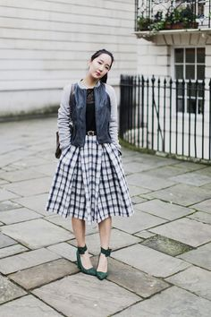 4279546444ce Shini is the cutest Cute Skirts, Plaid Skirts, Cooler Look, Fashion Weeks,