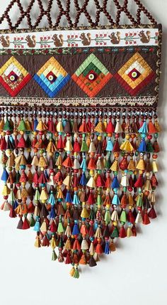 Süs: Very decorative. Diy Craft Projects, Diy And Crafts, Sewing Projects, Ideias Diy, Art Textile, String Art, Bohemian Decor, Boho, Fabric Art