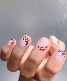 Nail art is one of many ways to boost your style. Try something different for each of your nails will surprise you. You do not have to use acrylic nail designs to have nail art on them. Here are several nail art ideas you need in spring! Cute Nails, Pretty Nails, Pretty Short Nails, Pretty Tough, Nailart, Nagel Blog, Spring Nail Art, Cute Spring Nails, Spring Art