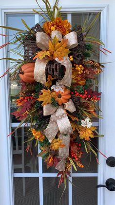 Outside Fall Decorations, Gold Christmas Decorations, Thanksgiving Decorations, Fall Decorating Outside, Thanksgiving Wreaths, Fall Christmas Tree, Gingerbread Christmas Decor, Holiday, Diy Fall Wreath
