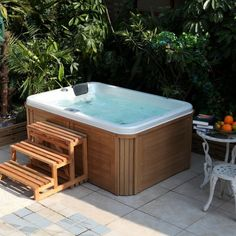 Hot Tub In The Garden - Treat Yourself To This Loading Probe Type Relaxation Hot Tub Backyard, Hot Tub Garden, Piscina Spa, Outdoor Spaces, Outdoor Living, Villas, Mini Pool, Jacuzzi Outdoor, Plunge Pool