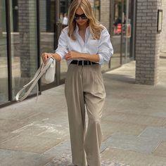 Lydia Tomlinson - Daily Style (@lydiajanetomlinson) • Photos et vidéos Instagram Daily Fashion, Style Fashion, Vintage Looks, Spring Summer, Street Style, Celebrities, Casual, Fun, Pants