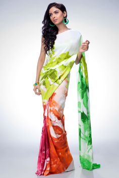 Satya Paul Sarees Collection 2016 Catalogue With Price are available here as Satya Paul is one of the best Sarees Designer of India and also the best in Bollywood too. Indian Attire, Indian Ethnic Wear, Indian Style, Indian Dresses, Indian Outfits, Satya Paul Sarees, Saree Painting Designs, Painting Patterns, Clothes