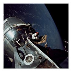 """This image, taken on March shows the Apollo 9 Command and Service Modules docked with the Lunar Module. Apollo 9 astronaut Dave Scott stands in the open hatch of the Command Module, nicknamed """"Gumdrop,"""" docked to the Lunar Module """"Spider"""" in Earth orbit. Apollo 9, Apollo Nasa, Apollo Spacecraft, Cosmos, Programa Apollo, Apollo Space Program, Nasa Photos, Nasa Images, Nasa History"""
