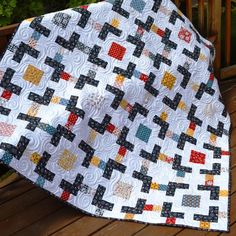 Crossroads Lap Quilt Tutorial | We can't handle how beautiful this throw quilt is!