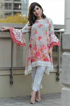 Stunning and Unique Sleeves Designs for Dresses - Kurti Blouse Pakistani Fashion Casual, Pakistani Dresses Casual, Indian Fashion Dresses, Pakistani Dress Design, Casual Summer Dresses, Stylish Dresses, Simple Dresses, Sleeves Designs For Dresses, Dress Neck Designs