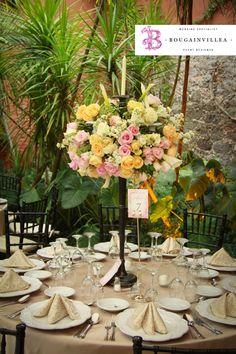 Hermosos arreglos florales por www.bougainvilleabodas.com.mx Bodas San Miguel de Allende