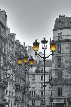 "vmburkhardt:    (via 500px / Photo ""Lanternes de Paris"" by Marie Macharmante)"
