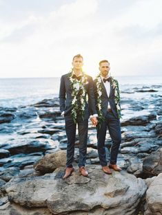 ROMANTIC LAHAINA BEACH WEDDING When I spot the name Wendy Laurel in our submissions inbox, I know there's a happy, colorful soiree in store. She's a magnet for the sweetest couples and their equally charming weddings. Destination fetes like this one, where personal touches like family