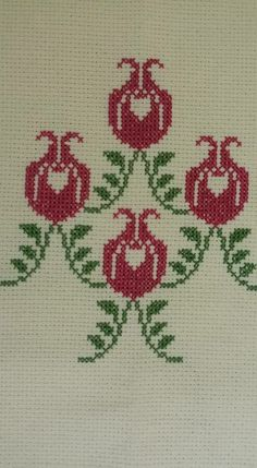 Embroidery Patterns Free, Cross Stitch Embroidery, Cross Stitch Patterns, Embroidery Designs, Hobbies And Crafts, Diy And Crafts, Butterfly Cross Stitch, Tapestry Crochet, Knitting Charts