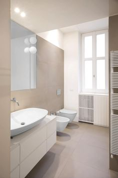 16VT: Bagno in stile in stile Moderno di Chantal Forzatti architetto