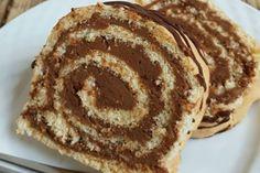 Ak máte radi Dobošove rezy mali by ste vyskúšať aj roládku. Pancakes, Pie, Sweets, Breakfast, Food, Torte, Morning Coffee, Cake, Gummi Candy