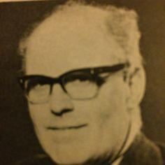 Woolworths People 1974 L E Jones, Regional Finance Manager, Kensington Regional Office