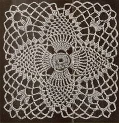 Vintage 40s Crochet Patterns Pineapple Doily Tablecloth