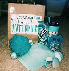 VSCO - just wanted to TEAL you happy birthday erienneshawn Birthday Presents For Friends, Cute Birthday Gift, Birthday Gift Baskets, Happy Birthday Gifts, Friend Birthday Gifts, Birthday Diy, Good Presents For Girls, Diy Birthday Gifts For Friends, Cheap Birthday Gifts