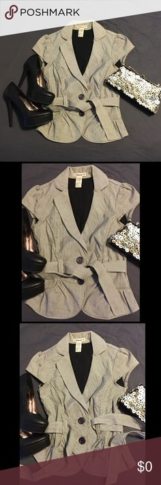 Light short sleeve jacket Two button short sleeve jacket with tie. Never worn but no tags.  Adorable w jeans or dress up for the office. Forever 21 Jackets & Coats Blazers