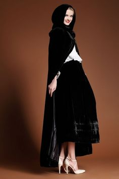 camelliatune - black hooded cape