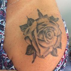L4 Contatos: fmjtattoo@gmail.com 55 21  998994553/WhatsApp tattooedgirls,flores,rjtattoo,rj,inked,rosa,pb,tatuaje,tatuagem,tatuagensfemininas,rose,blackandgray,tat2,tatuajes,felipejamelao,tattoo,znrj,fmjtattoo,tatuagens