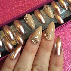 Press on false nails by Nail It UK. Rose Gold & Nude in Stiletto shape with Swarovski crystal nail art. Available on the website www.nailituk.co.uk