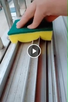 The perfect way to wash a window indoors Cleaning Window Tracks, Traditional Office, Commercial Printing, Amazing Gifs, Comedy Jokes, Happy Reading, Window Cleaner, Useful Life Hacks, Printing Services