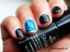 This is what I hate the most: nailspolish that doesn't dry quickly! Read my review.